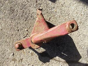 Interntional 460 Utility Tractor Ih Fasthitch 2pt Main Front Anchor Bracket