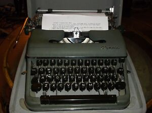 Olympia Vintage 1960s Sm 3 Manual Typewriter With Carrying Case