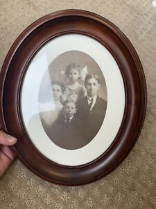 Victorian 1800s Oval Dark Wood Picture Frame W Family Pic Wood Back Glass