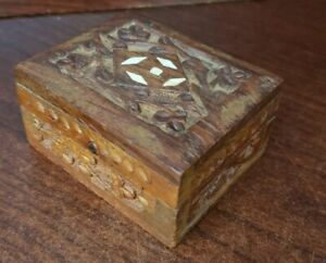 Vintage Hand Carved Wood Trinket Jewely Box Hinged Lid And White Inlay