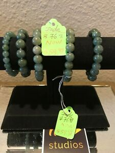 Chinese Exquisite Hand Carved Beautiful Green Jade Bracelets For Mom