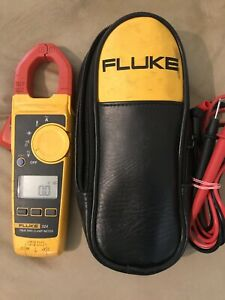 Fluke 324 True rms Clamp Meter Used shows Wear And Tear Works Good