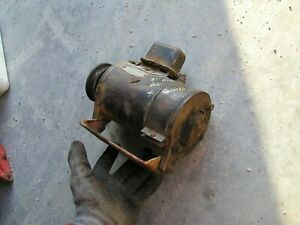 Allis Chalmers Wd45 Wd Tractor Good Working 6v Generator Belt Pulley Bracket