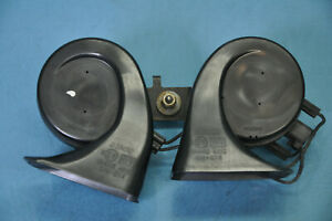 2005 Cadillac Sts 4 6l Rwd 13 High Low Pitch Horn Siren Signal Alarm Set Oem