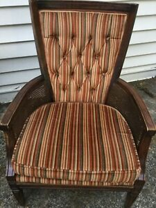 Fairfield Vintage Wood Wicker French Country Tufted Accent Chair
