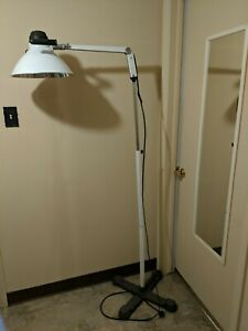 Burton Medical Floor Lamp Light Exam Dental Surgical Tattoo Mobile Or Drafting