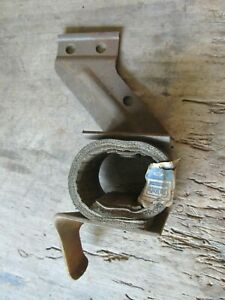 Nos 1965 67 69 Ford Mustang Exhaust Pipe Bracket Insulator C7zz 5a246 B
