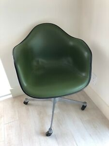 Authentic Vintage Herman Miller Eames Padded Shell Chair Swivel Contract Base