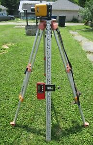 Cst berger Lm30 Manual Rotary Laser Tripod And Grade Pole For Parts Or Repair