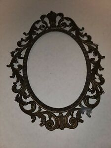 Vintage Ornate Metal Oval Picture Frame Made In Italy Brass