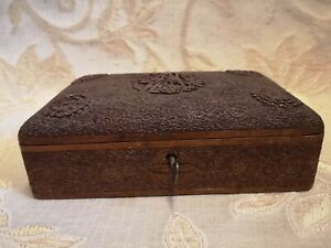 Antique Anglo Indian Kashmir Wooden Carved Cigarrette Box With Lock And Key