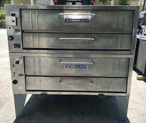 Bakers Pride 452 Pizza Oven