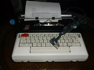 Olivetti Lettera 36 1970s Electric Portable Typewriter Itallian Design