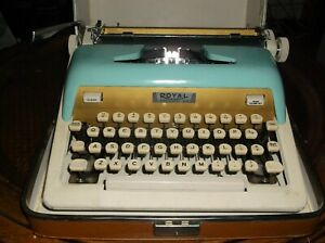 Vintage Royal 1960s Model Aristocrat Portable Typewriter With Carrying Case