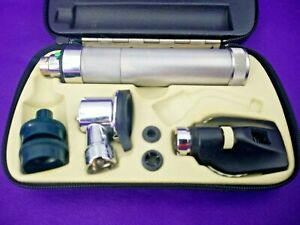 Welch Allyn Veterinary Pneumatic Otoscope Ophthalmoscope Complete Diagnostic Set