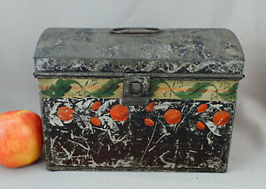 Connecticut Decorated Tinware Tole Trunk Early 19th Cent