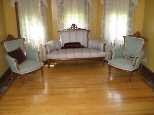 Victorian 3 Pc Group With Sofa And Chairs Walnut Wood
