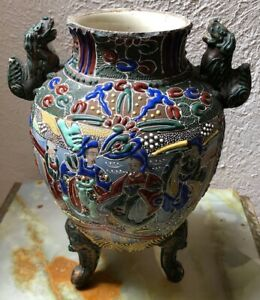 Large Antique Japanese Meiji Satsuma Moriage Vase Color Glaze Foo Dog Handles