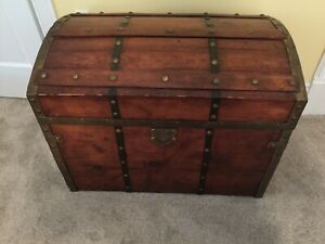 Antique Wood Cedar Lined Dome Top Hump Camelback Trunk W Leather Strap Handles