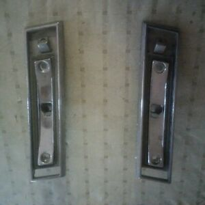 1981 1987 Gm Right And Left Sail Panel Side Opera Or Chariot Light Bezels
