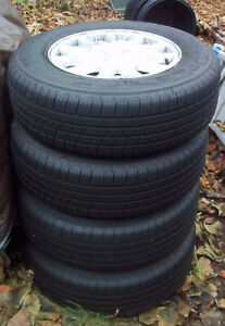 4 Michelin Tires 205 70r15 With Ford Alloy Wheels Used Very Little