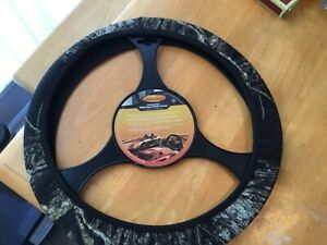 Mossy Oak Steering Wheel Cover Camo New