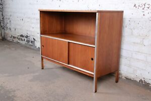 Paul Mccobb For Calvin Walnut Sliding Door Credenza Or Media Cabinet