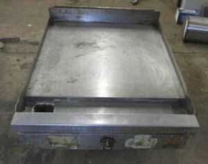 Wolf Commercial Restaurant 24 Gas Countertop Flat Top Grill Griddle