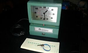 Vintage Acroprint Time Recorder Auto Punch Clock 125qr4 Timecards With Key