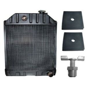 C7nn8005h Radiator Fits Ford Tractor 2000 2600 3000 3600 4000 2 Mounting Pads
