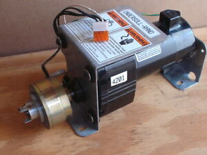 Bodine Electric Gear Motor 24y2bepm d3 Ratio 30 1 1 21 Hp 90 Vdc With Clutch