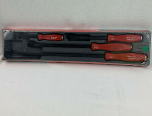 New Snap on Hard Handle 4 piece Striking Pry Bar Set Spbs704r Red