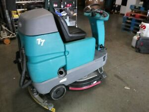 Tennant T7 Riding Disk Floor Scrubber sweeper 32 Inch Deck 4332 Hours