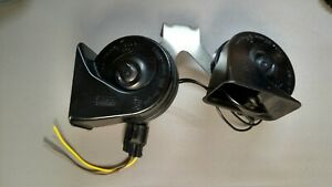 Ford Low High Note Horn Set W Bracket Set Oem Fiamm 55306 W pigtail