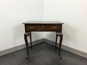 Queen Anne Style Mahogany Side Table Nightstand