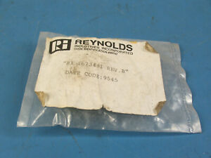 1 Reynolds Ri1673441 Right Angle High Voltage Gold Plated Connector