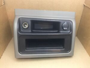 03 06 Silverado Sierra Tahoe Center Console Front Cubby Pewter Trim 921 922 92d