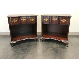 Kindel Oxford Solid Mahogany Block Front Chippendale Nightstands Pair