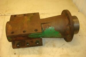 1966 Oliver 1550 Gas Tractor Rear Axle Housing