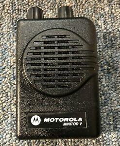 Motorola Minitor V 5 1 channel Vhf Pager 151 159 Mhz Very Good
