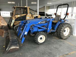 New Holland Tc30 Compact Tractor W Loader 4x4 636 Hrs Runs Great