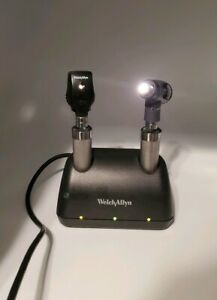 Welch Allyn Ni cad Desk Charger Set Macroview Otoscope Standard Ophthalmoscope