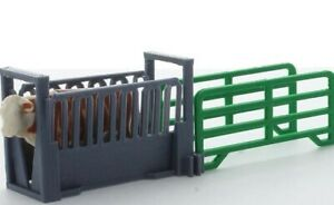 1 64 Livestock Squeeze Chute 3d To Scale Diorama Display Farm
