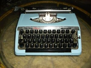 Vintage Brother Charger 11 Portable Typewriter Blue W Black Case