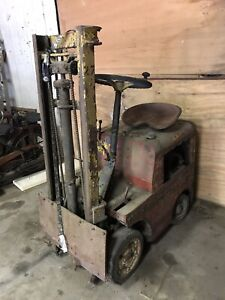 Antique Clark Truck Loader Forklift 1940 s Or 50 s Vintage