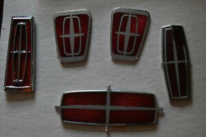 Lincoln Continental Emblems 32v V8 Lot Nice New