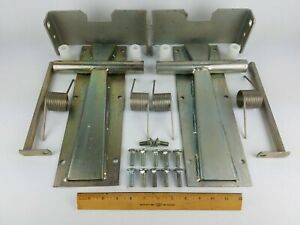 Clay Farm Equipment Sequence Gate Hinge Dairy Cattle Milking Parlor 90 Degree