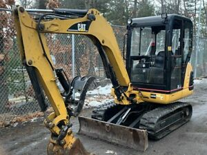 2005 Caterpillar Enclosed 302 5 Mini Excavator W Hydraulic Thumb