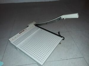 Vintage Boston 2612 Paper Cutter Trimmer Guillotine 12 Wood Base