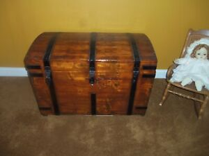 Trunk Antique Cedar Lined